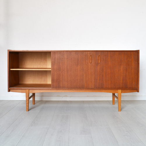 sideboard - sca01261